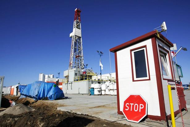 Kraje powinny informować społeczeństwo jak wydobywa się gaz łupkowy, a firmy jeszcze przed wierceniem ujawniać, jakich chemikaliów używają - wynika z projektu raportu PE.
