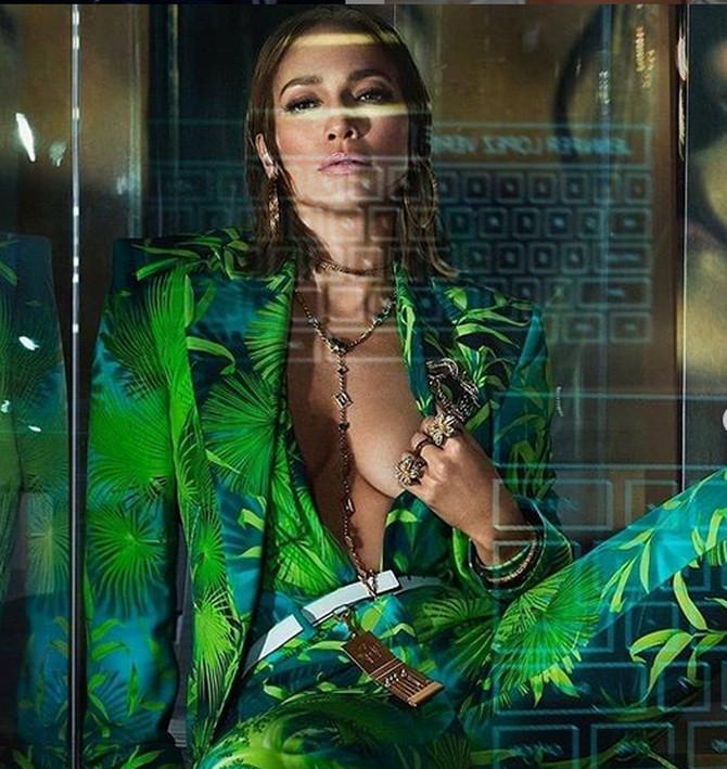 Džej Lo u novoj kampanji za Versace