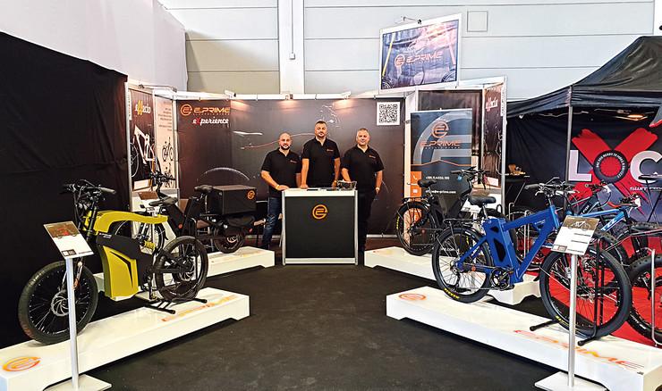 Kompanija proizvodi pet modela električnih bicikala i dva modela tricikla.