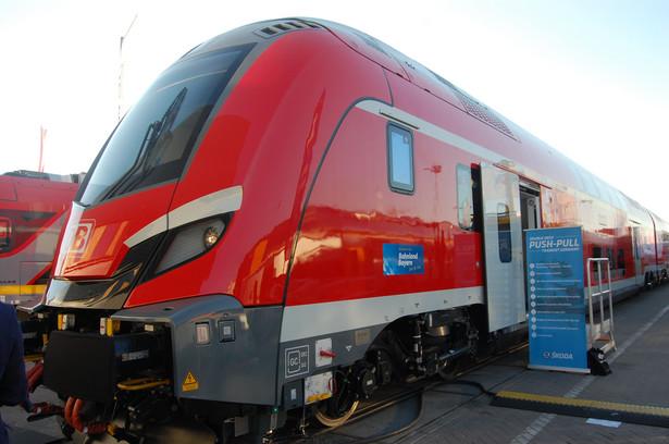 Pociągi regionalne to coraz częściej składy piętrowe, które mogą pomieścić dużą liczbą podróżnych. Dwa poziomy ma także najnowszy skład Skody dla linii niemieckich kolei Deutsche Bahn. Będzie jeździł na trasie Monachium – Norymberga. fot. Krzysztof Śmietana