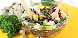 Sałatka z brokułami i czerwoną kapustą