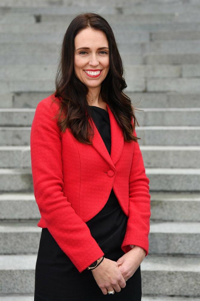 Skromna, normalna i vesela - Novi Zeland obožava svoju premijerku!