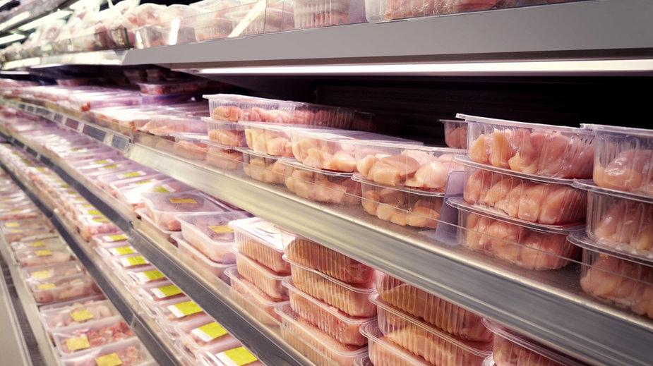 Salmonella w mięsie z indyka. W przypadku zatrucia pokarmowego, należy skontaktować się lekarzem.