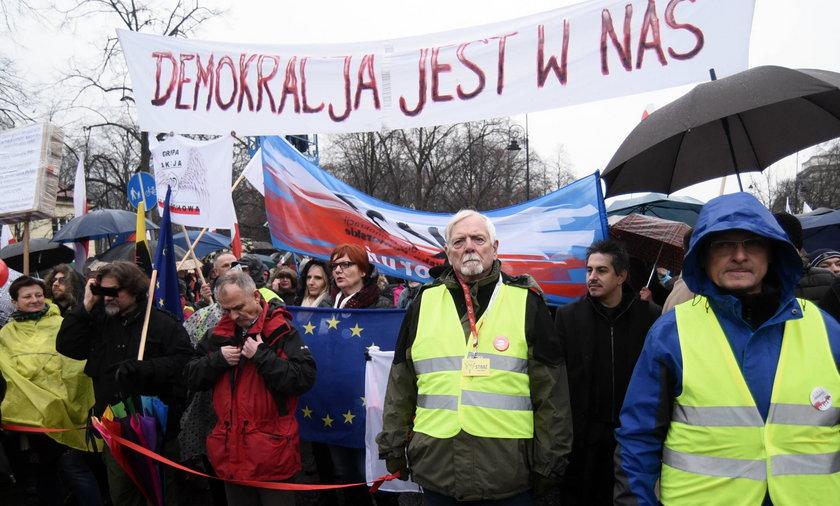 Marsz KOD w stolicy.