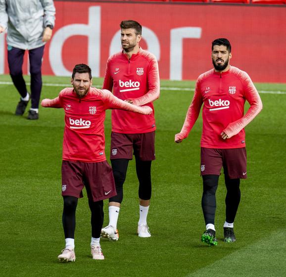 Luis Suarez, Lionel Mesi i Đerar Pike na treningu na