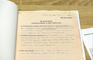 IPN ma już drugą partię dokumentów z domu Kiszczaka