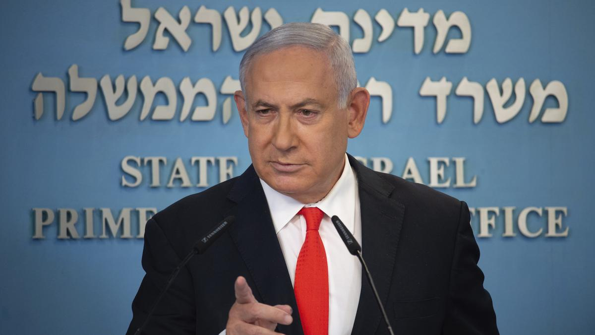 Izraelben egy hónapos zárlat után megkezdődött a fokozatos nyitás