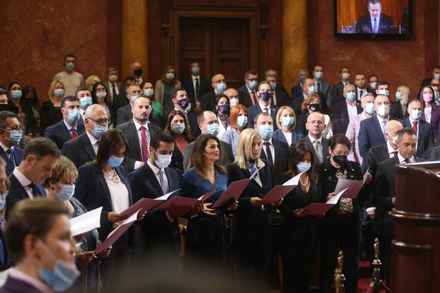 Zakletva, novi ministri, skupština