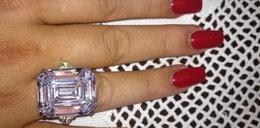Grycanka chwali się drogim diamentem