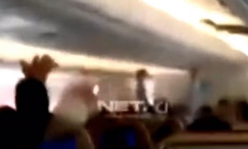 Panika na pokładzie samolotu do Dżakarty