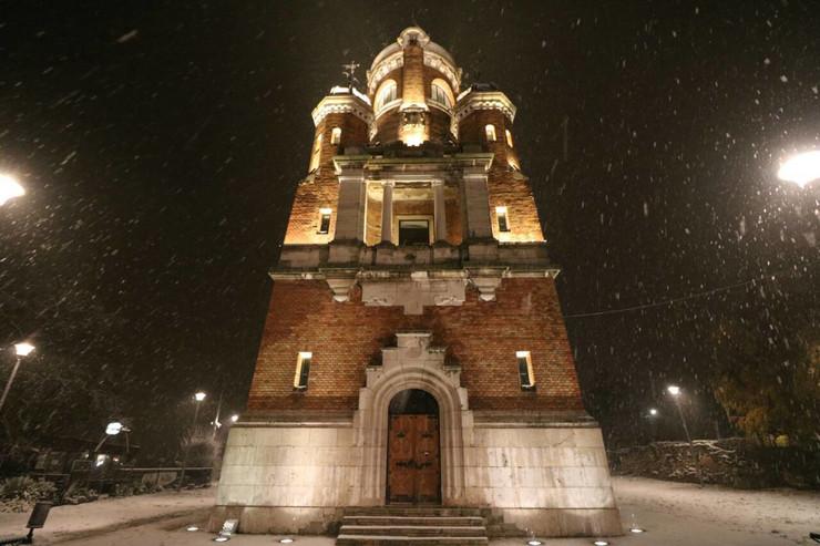 Gardoš kula sneg