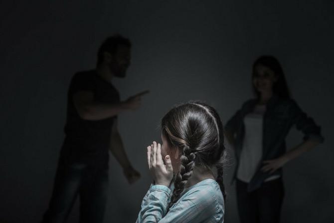 Porodično nasilje dete nikad ne zaboravlja, čak ni kad odraste. Moguće je da ga prevaziđe, ali to zahteva veliku unutrašnju borbu s neizvesnim ishodom