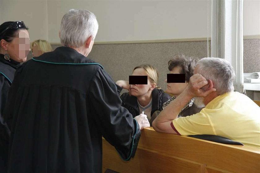 Urodziła dziecko koleżance. Wyrok. Kara za urodzenie dziecka koleżance. wyrok za urodzenie dziecka koleżance