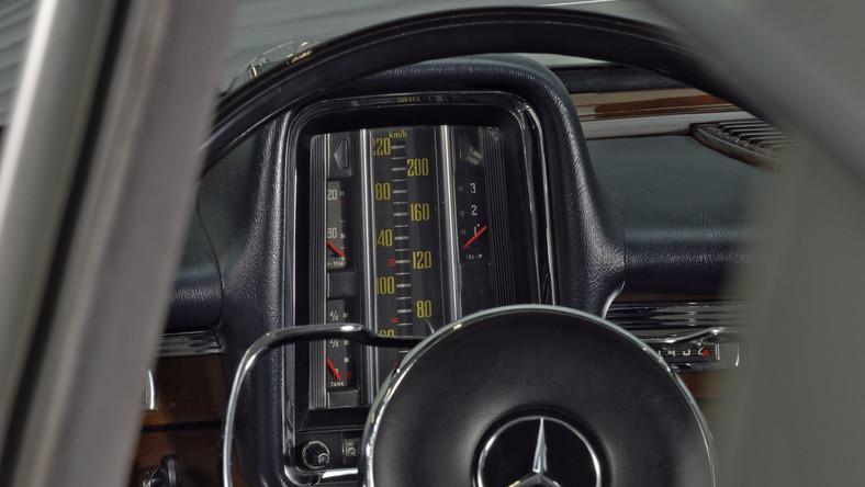 Mercedes 220S