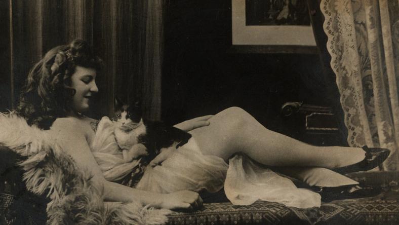 Najpiękniejsze zdjęcia erotyczne mogły uchodzić za sztukę i tym samym uniknąć krytyki konserwatystów.../mat. wydawnictwa Znak