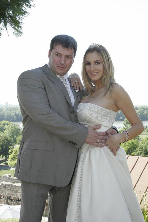 Adžemović sa bivšom suprugom