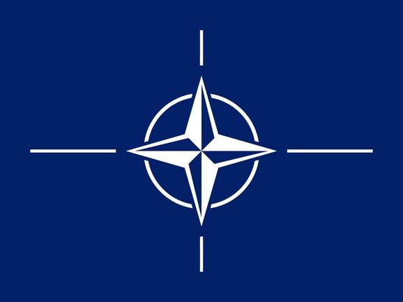 Članstvo u NATO bi trebalo da ostane opcija za Srbiju
