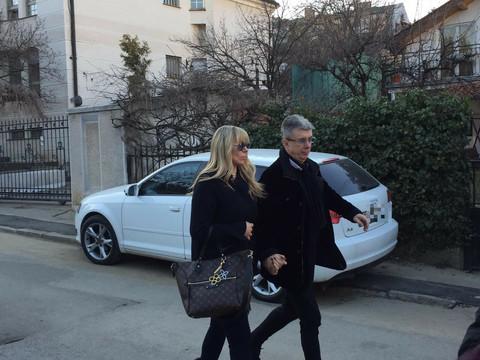 UTUČENI ZBOG TRAGEDIJE: Saša Popović sa suprugom Suzanom posetio Šauliće (VIDEO)