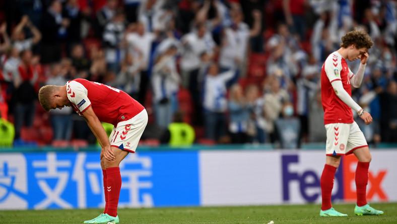 Piłkarze reprezentacji Danii po przegranym meczu z Finami