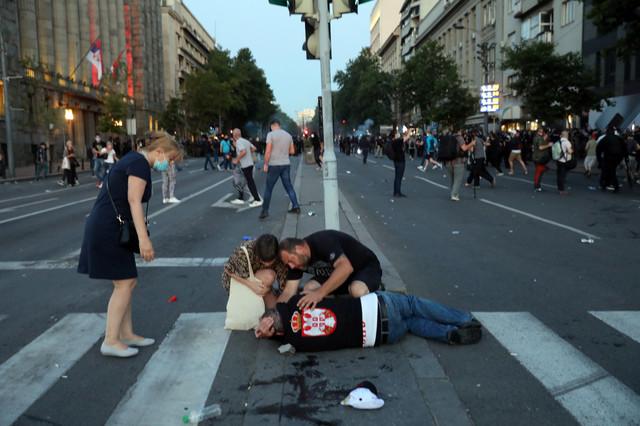 Povređeni leže na ulicama