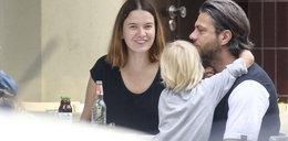 Malinowska i Janiak z dziećmi. Chłopcy bardzo wyrośli