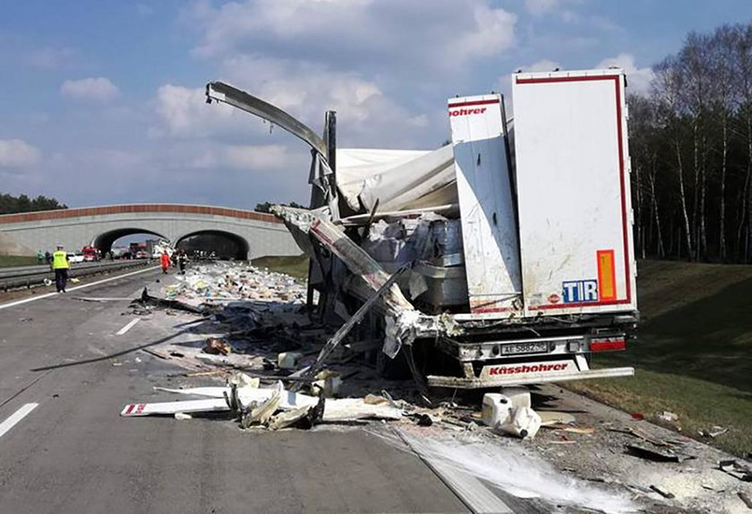 Zderzenie tirów na A2. Paraliż autostrady