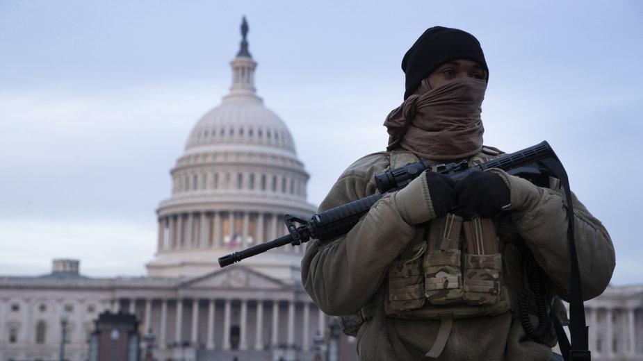 Kapitol USA pod ochronąwojska (styczeń 2021)