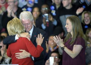 Prawybory prezydenckie w USA: Clinton ma przewagę nad Sandersem