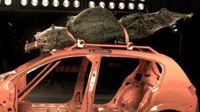 Świąteczna choinka może zabić, gdy przewozimy ją na dachu samochodu