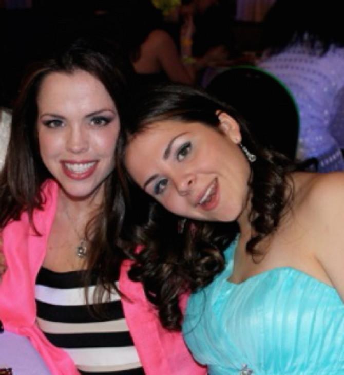 Ko bi rekao da su ovo majka i ćerka (desno), deluju kao sestre