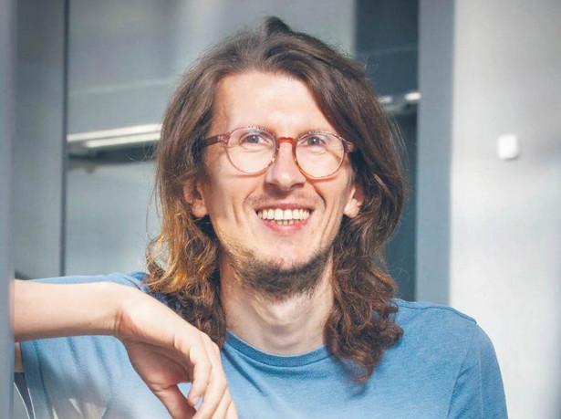 """Stanisław Łoboziak biolog molekularny, szef laboratorium biologicznego Centrum Nauki Kopernik, autor książki """"Laboratorium w szufladzie. Biologia"""""""