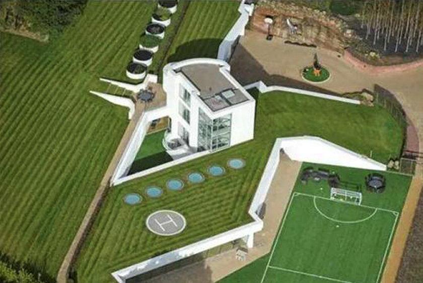 Zobacz galerię luksusowych domów największych gwiazd futbolu! Zdjęcia
