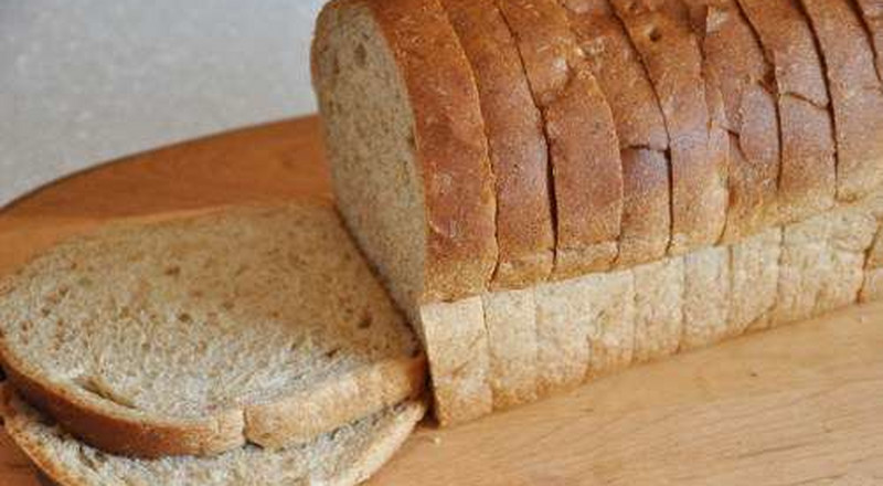 Here are the reasons why you should reduce your bread consumption