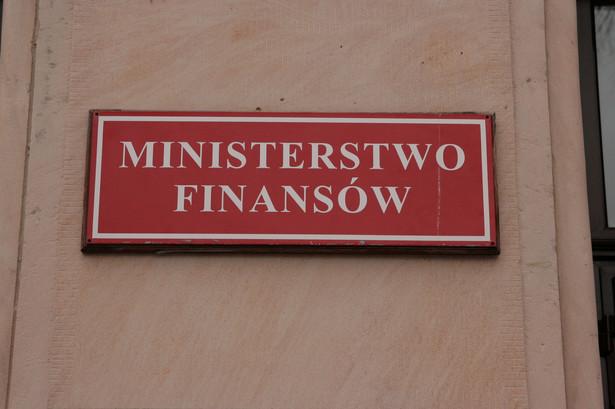 Ministerstwo Finansów liczy, że prezydent ją podpisze, aby od 1 grudnia nowe przepisy mogły wejść w życie - mówił w Sejmie wiceminister finansów Ludwik Kotecki.