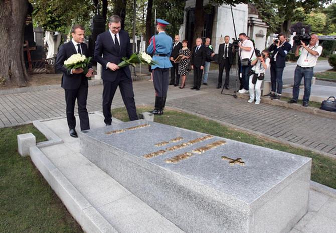 Aleksandar Vučić i Makron
