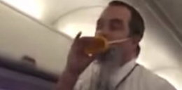 Pasażer nagrał najśmieszniejszego stewarda świata. FILM