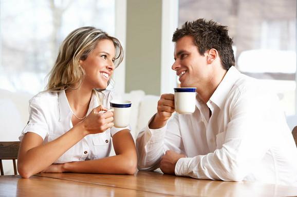 Čaj i poljupci štite od prehlade poručuju stručnjaci