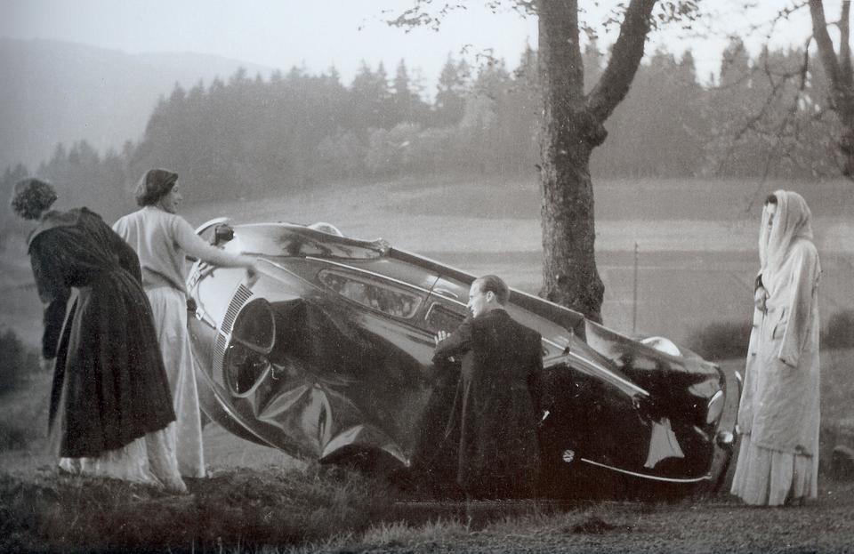 Niemcy. Wypadek samochodowy, do którego doszło po chrzcie Albrechta Sayn-Wittgensteina, 1956 r.