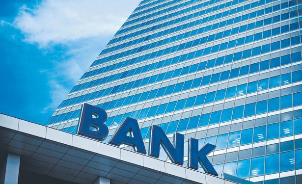 Przedsiębiorstwa spłacają więcej starych kredytów, niż zaciągają nowych