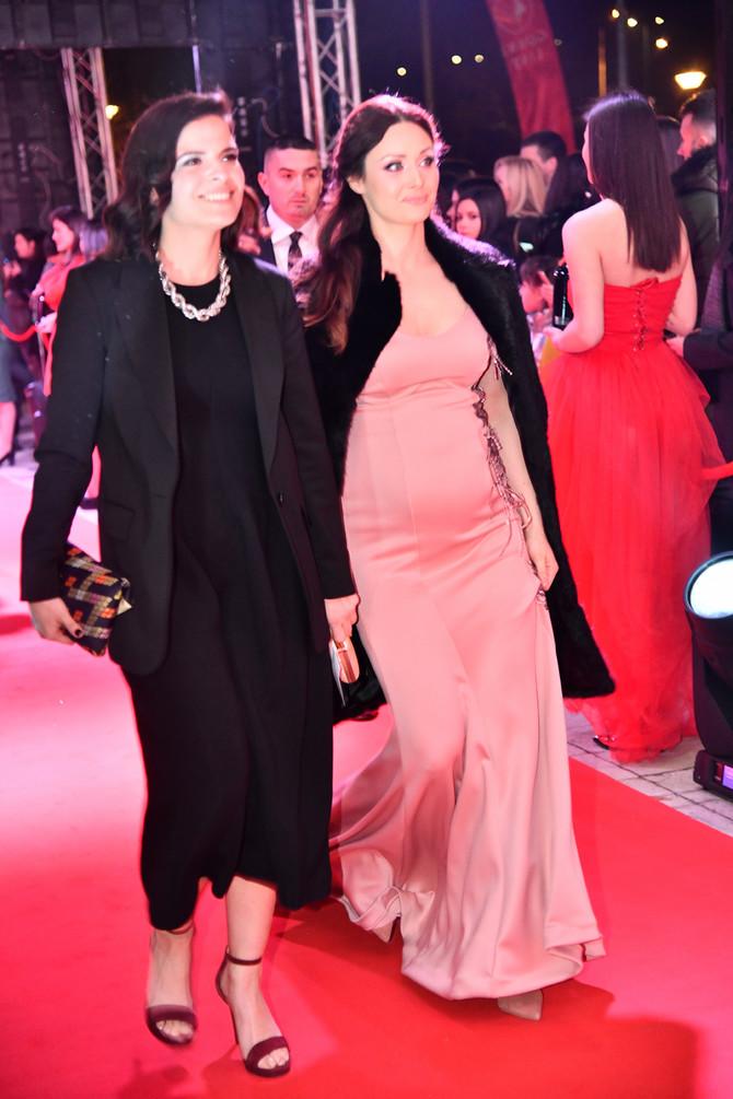 Miljana Gavrilović u roze haljini