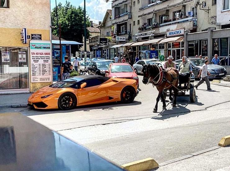 Tutin Lamborghini i konjska zaprega