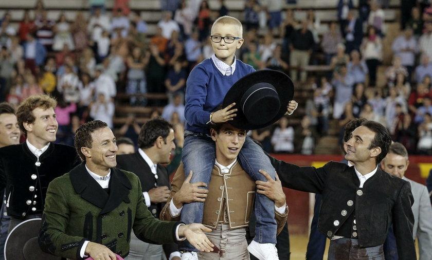Hiszpanie wstrząśnięci. Życzyli śmierci choremu dziecku