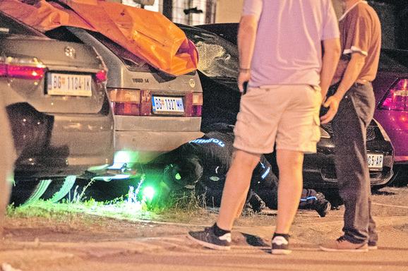 Pre nego što je ubijen, Žanić, navodno, pod komšijin automobil bacio neki predmet