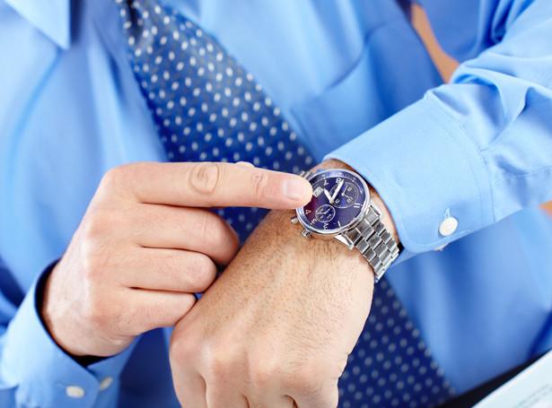 Wykonywanie pracy zgodnie z ustalonymi rozkładami czasu pracy nie może naruszać prawa pracownika do odpoczynku.