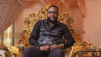 Socialite E-Money gifts sibling and friends with cars on his birthday