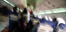 Pasażerowie dusili się w zepsutym samolocie!