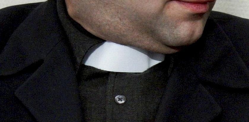 Ksiądz zgwałcił dziecko i powiesił się w zakrystii