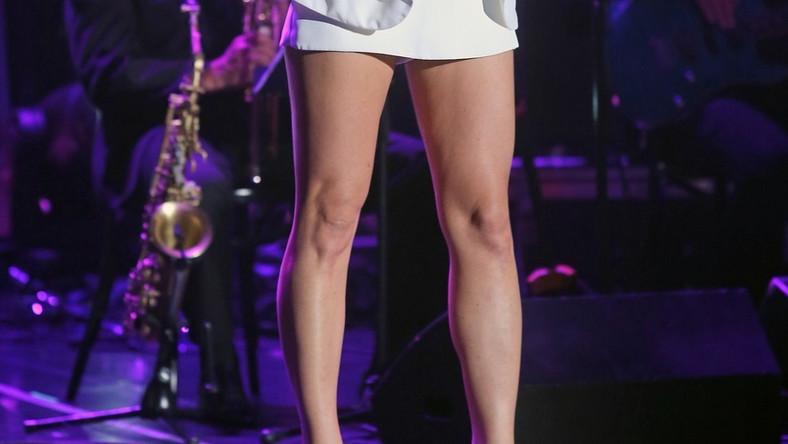 Ostatnimi czasy aktorka wyjątkowo odważnie pokazuje nogi...