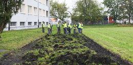 W Warszawie policjanci zatrudniają więźniów