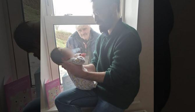 Prvi susret deke i unuka u doba korona virusa